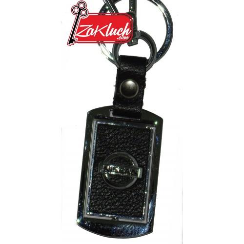 Черен ключодържател за Нисан, изработен от кожа и метал