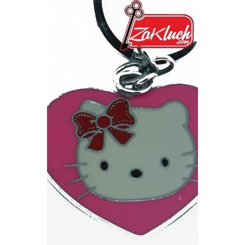 Котенцето Hello Kitty под формата на сърчице