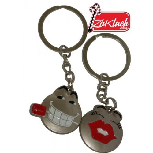 Забавен подарък за влюбени - двоен ключодържател
